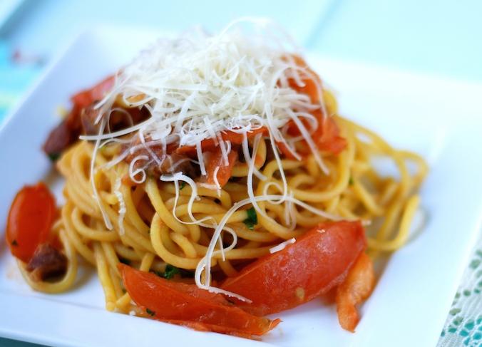 špagety s kečupom
